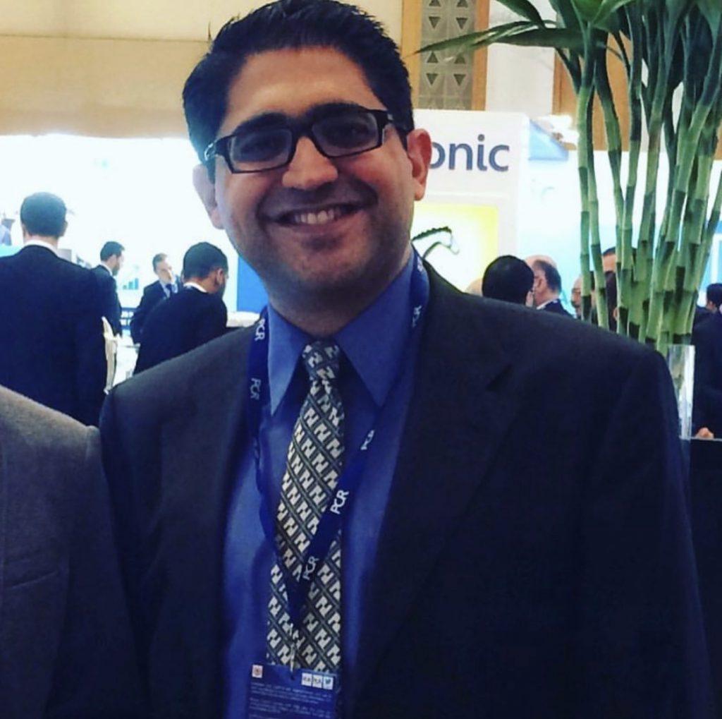 دکتر آرش هاشمی | دکتر محمد جعفر هاشمی | متخصص قلب و عروق | اینترونشنال کاردیولوژیست | آنژیوگرافی عروق کرونر | بیمارستان عرفان
